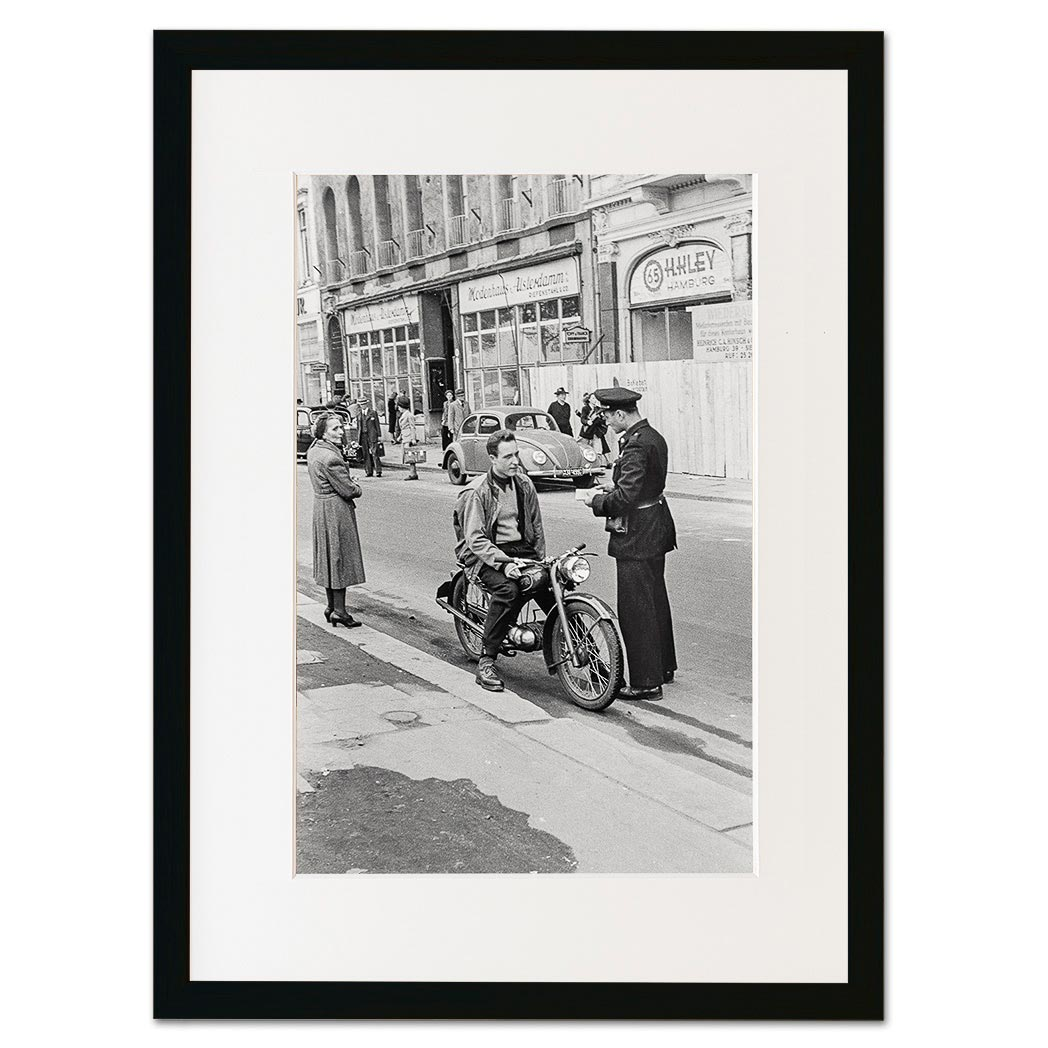 07b_DSC6922-b-john-holler-hamburg-historisch-wandbild-gerahmt-leinwand-schwarz